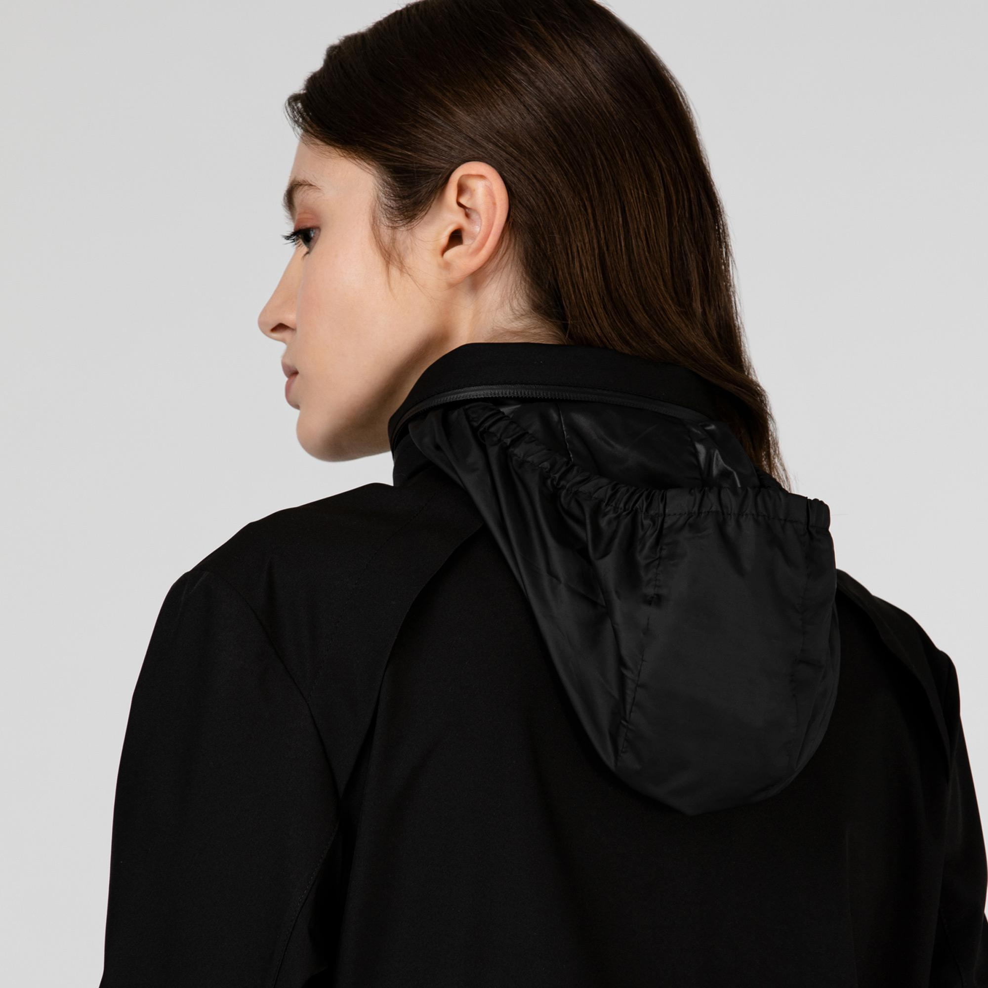 Lacoste Kadın Kapüşonlu Baskılı Siyah Mont