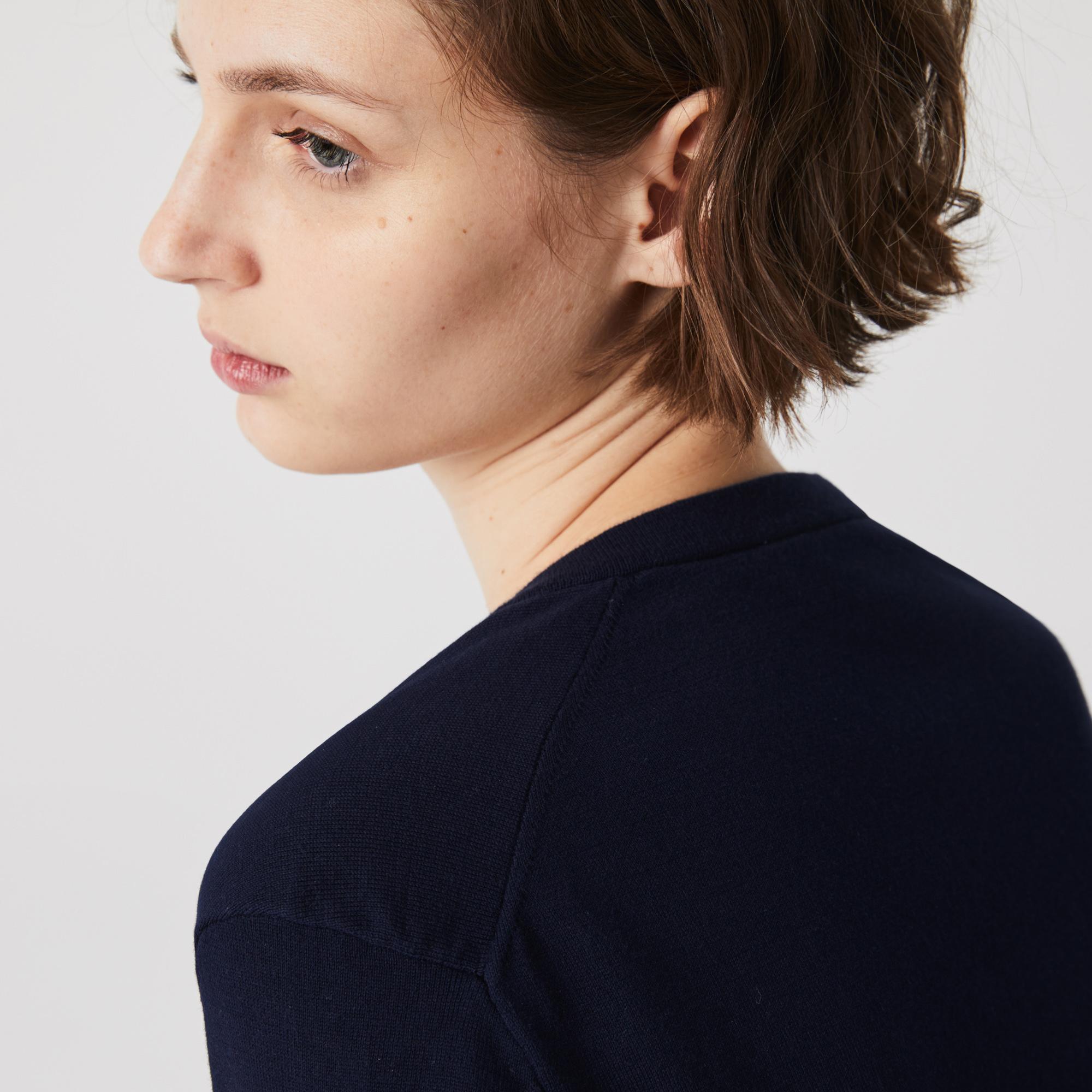 Lacoste Women?s V-neck Loose Organic Cotton Sweater