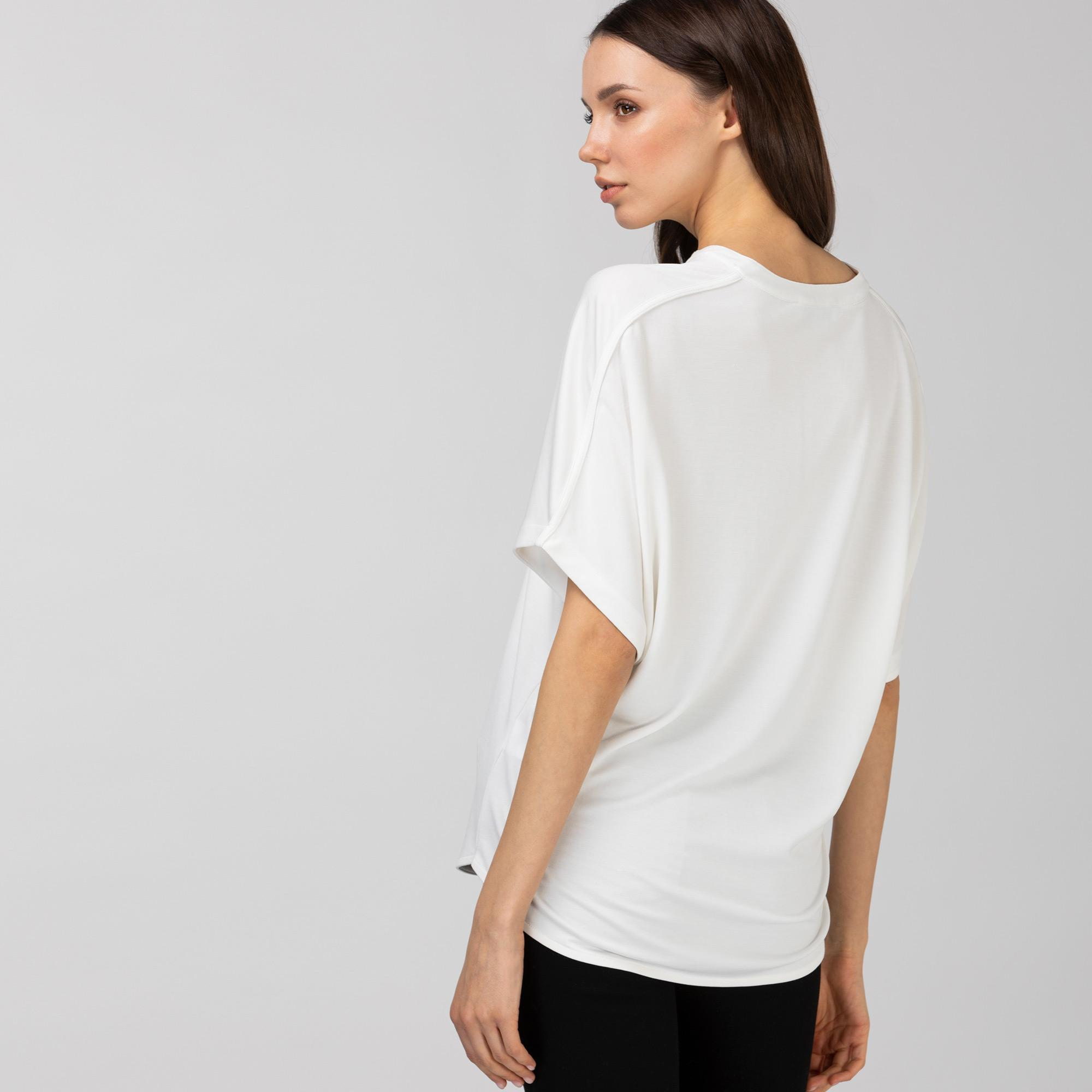 Lacoste Kadın Loose Fit V Yaka Beyaz T-Shirt