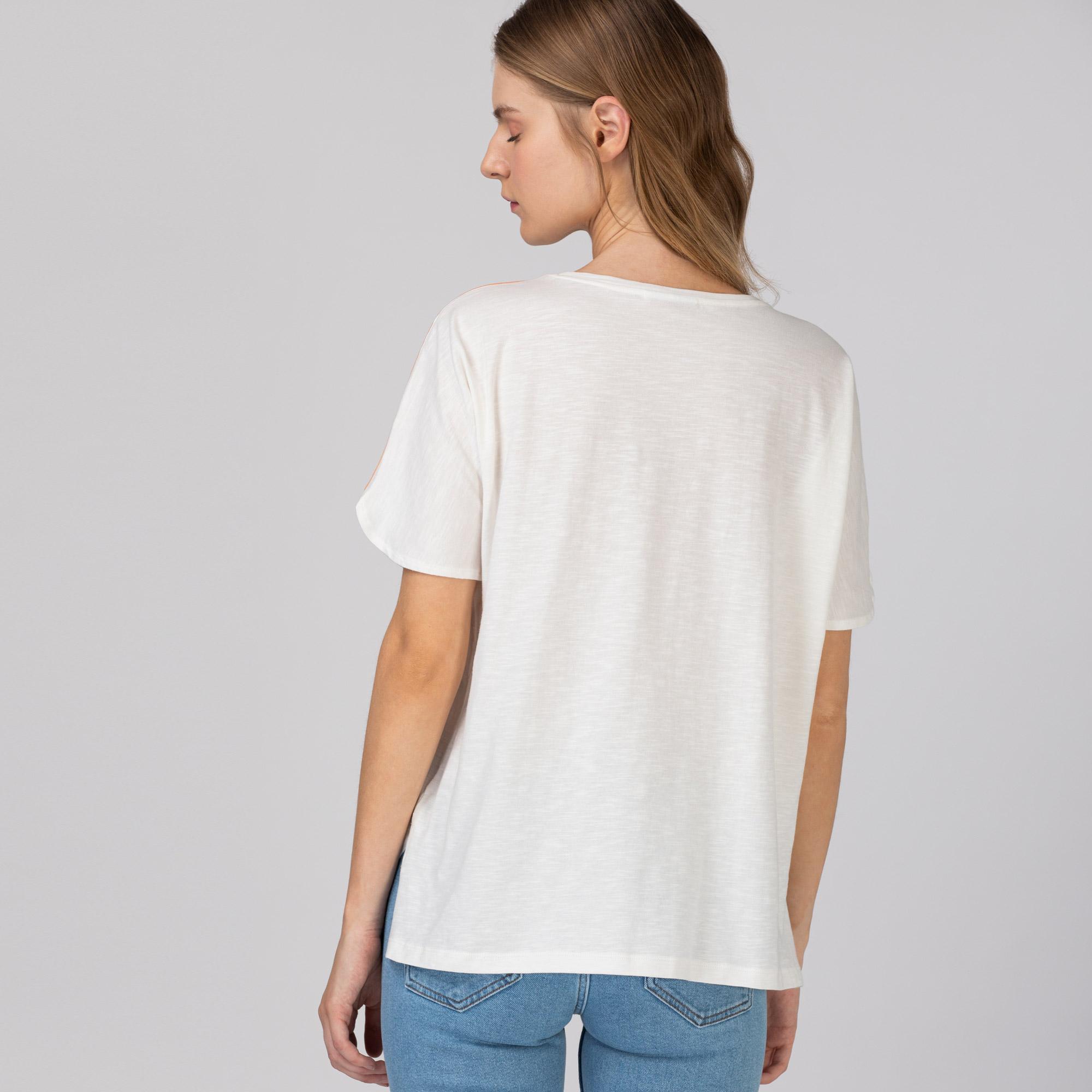 Lacoste Kadın Regular Fit Bisiklet Yaka Nakışlı Beyaz T-Shirt